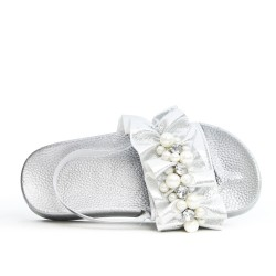 Silver girl sandal with pearl