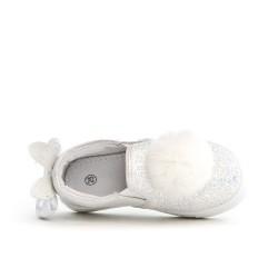 Tenis de conejito blanco
