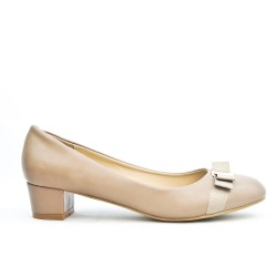 Beige knotted pump in large size
