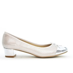 Silver pump with large knot