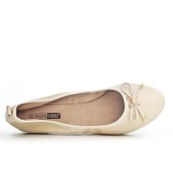 Bailarina beige de gran tamaño