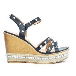 Wedge sandal with studs available in 4 colors