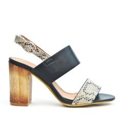 Sandalia negra impresa de tacón alto