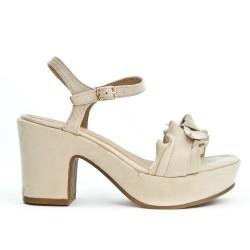 Sandale beige à volant avec gros talon