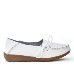 Chaussure confort blanche en cuir avec lacet