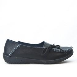 Chaussure confort noire en cuir avec lacet