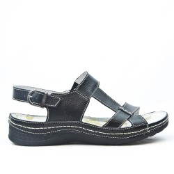 Looped leather comfort sandal