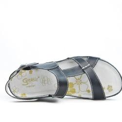 Disponible en 3 couleurs Sandale confort en cuir à bride bouclée