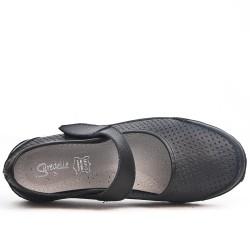 Disponible en 5 couleurs Chaussure confort en cuir perforé