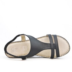 Available in 5 colorsWedge sandal in leather