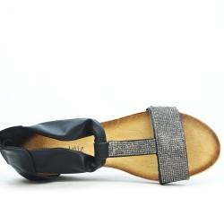 Sandale petit compensé noir ornée de strass