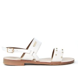 White flat sandal with gold beads