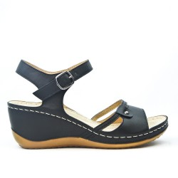 Black wedge sandal with comfort sole