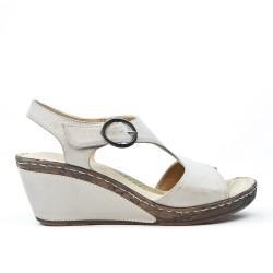 Gray wedge sandal with comfort sole