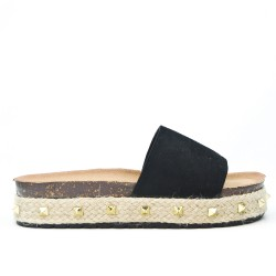 Available in 5 colors Slat with platform