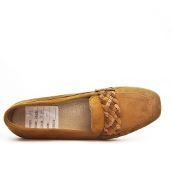 Camel moccasin with braided flange