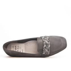 Gray moccasin with braided bridle