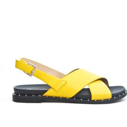 Flat sandal in faux leather