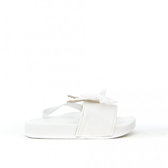 White girl sandal with rabbit pattern