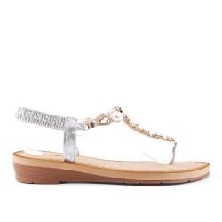 Sandale argent à détail transparent orné de perle