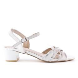 Beige sandal with large rhinestones