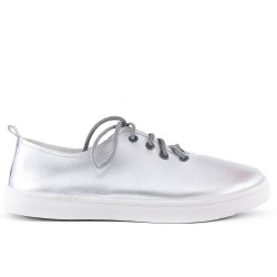 Silver sneaker with lace in large size