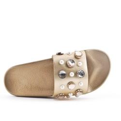 Pizarra dorada decorada con diamantes de imitación