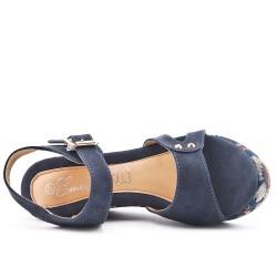 Sandale compensée bleu à semelle imprimée fleuri