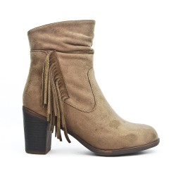 Taupe boot in faux suede with bangs