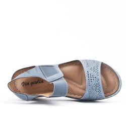 Sandale confort bleu en simili cuir perforé
