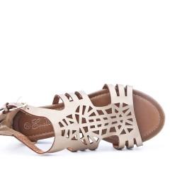 Sandale beige en simili cuir perforé