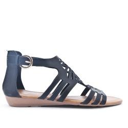 Sandale noire en simili cuir perforé