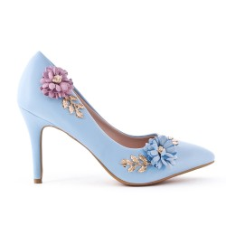Escarpin bleu orné de fleur