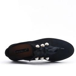 Derby negro en gamuza sintética de perlas