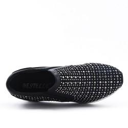 Black basket with rhinestone lace