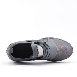 Zapatilla gris con encaje