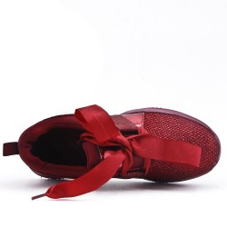 Red basket with ribbon lace