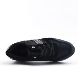 Black basket with platform