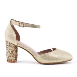 Golden pump with sequined heels