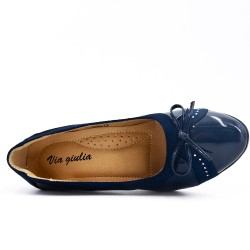 Navy blue pumps with bow