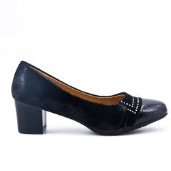 Black pumps with heels