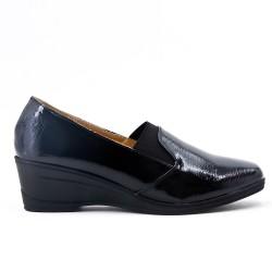 Chaussure confort noir empiècement élastique avec petit compensé
