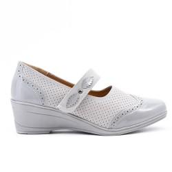 Chaussure confort grise à bride