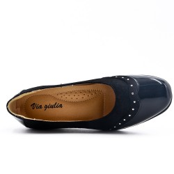 Bi-material black comfort shoe with small wedge