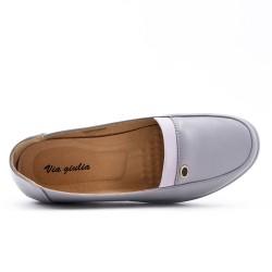 Chaussure confort grise en simili cuir avec petit compensé