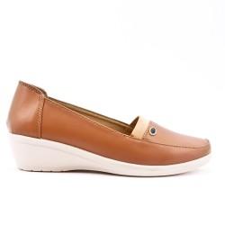 Chaussure confort camel en simili cuir avec petit compensé