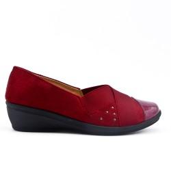 Chaussure confort rouge empiècement élastique avec petit compensé