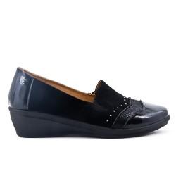 Chaussure confort noir à petit compensé