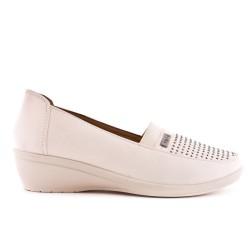 Chaussure confort beige en simili cuir