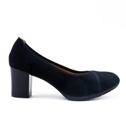 Black suede faux leather pumps